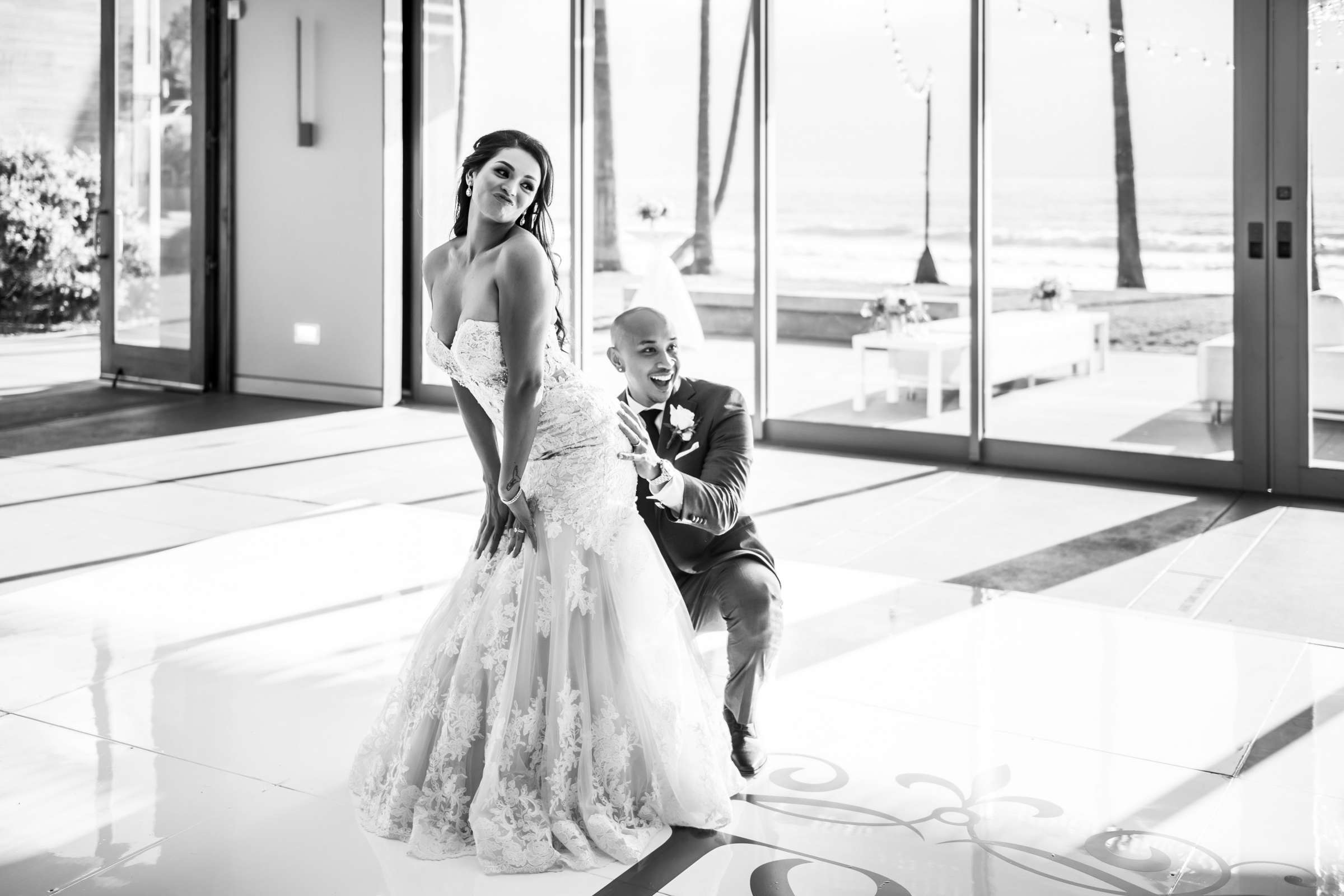 Scripps Seaside Forum Wedding coordinated by Lavish Weddings, Cindy and Justin Wedding Photo #381852 by True Photography
