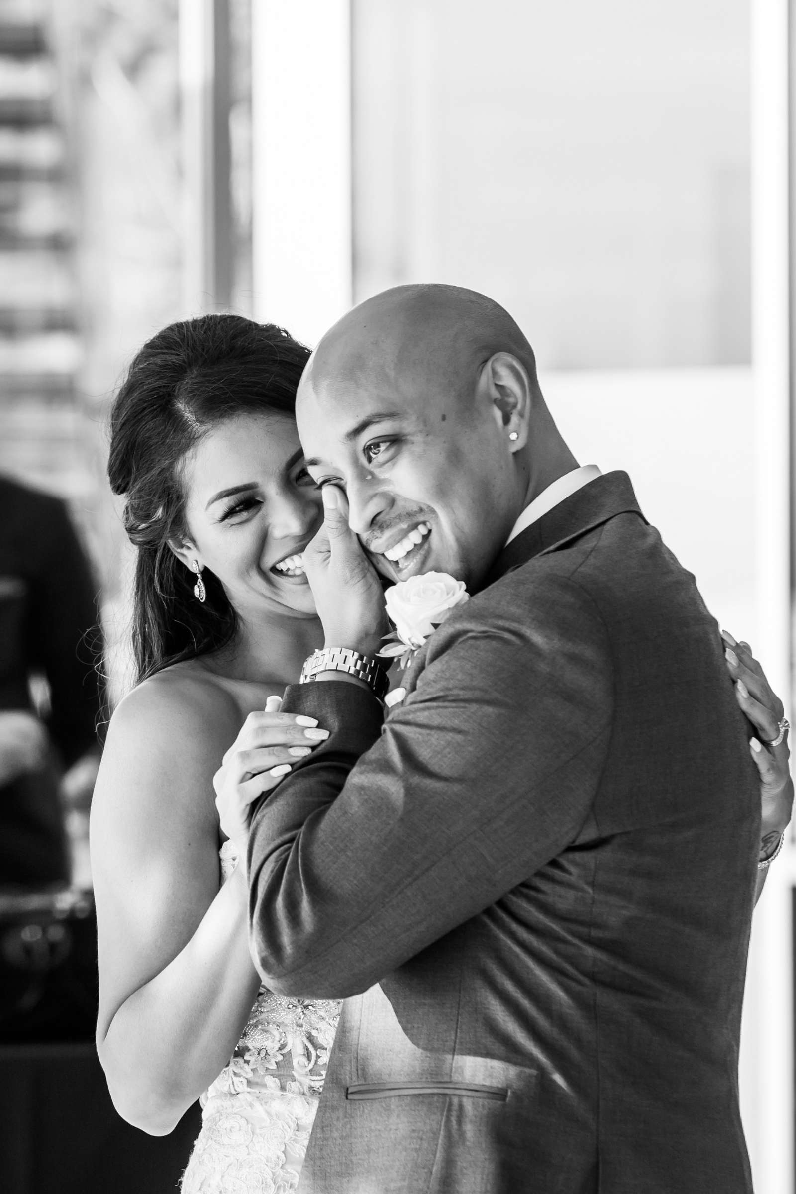 Scripps Seaside Forum Wedding coordinated by Lavish Weddings, Cindy and Justin Wedding Photo #381855 by True Photography