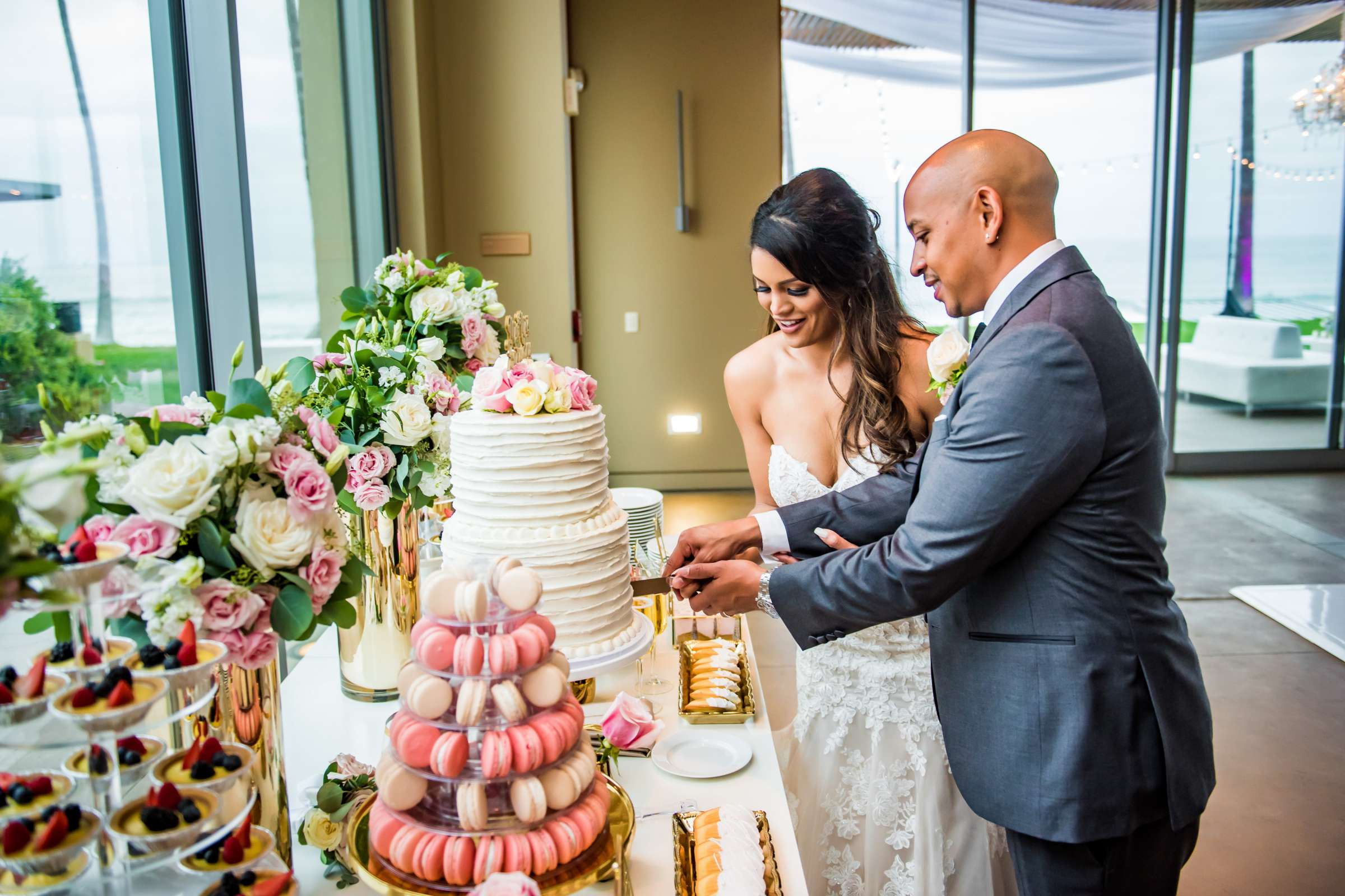Scripps Seaside Forum Wedding coordinated by Lavish Weddings, Cindy and Justin Wedding Photo #381863 by True Photography