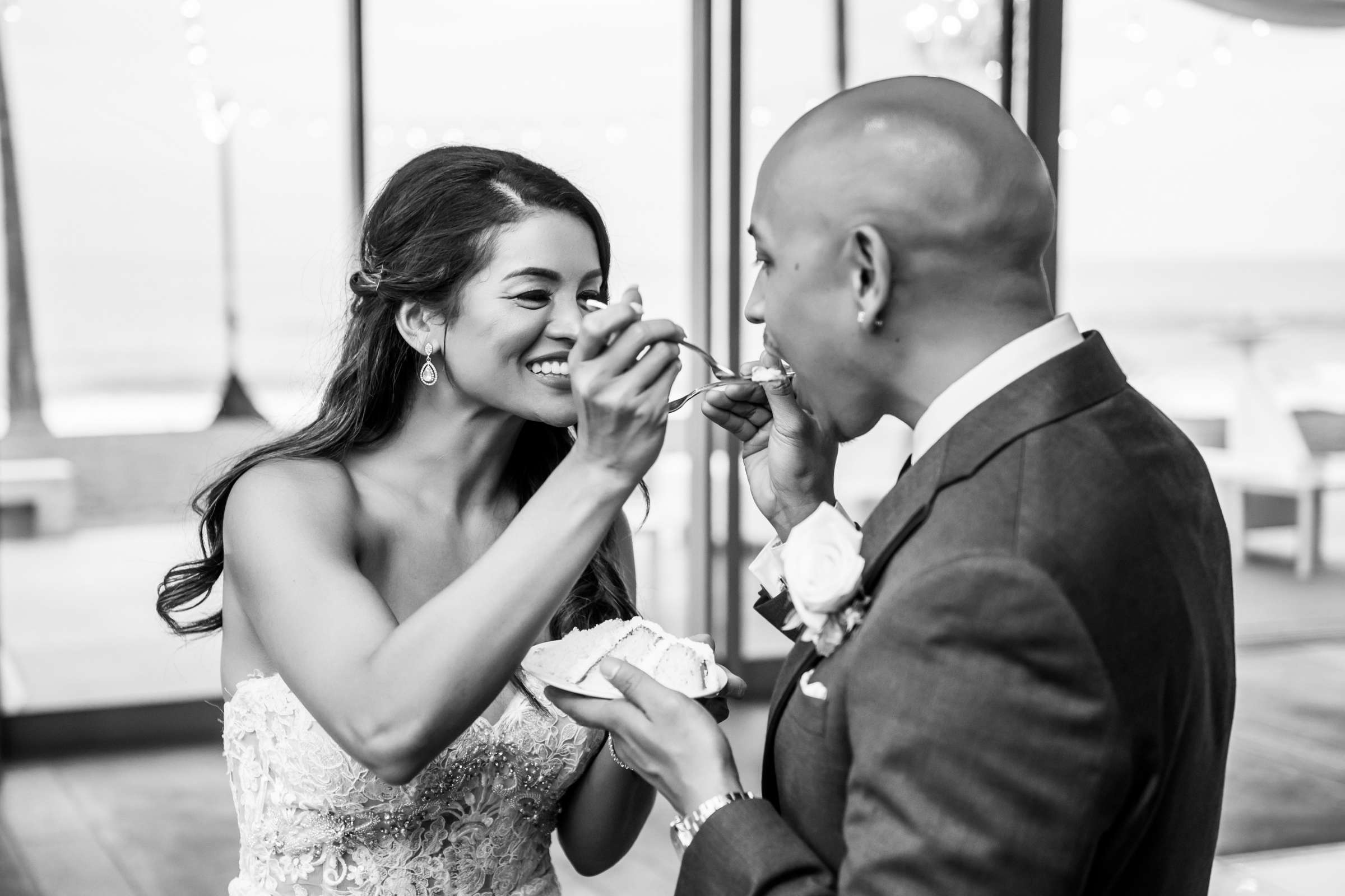 Scripps Seaside Forum Wedding coordinated by Lavish Weddings, Cindy and Justin Wedding Photo #381865 by True Photography