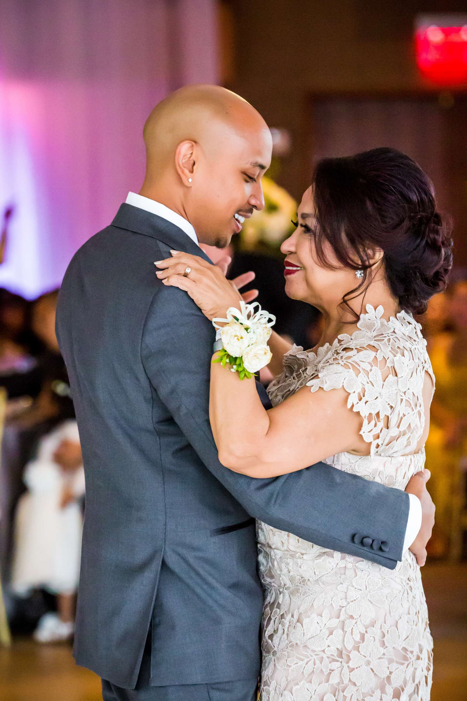 Scripps Seaside Forum Wedding coordinated by Lavish Weddings, Cindy and Justin Wedding Photo #381868 by True Photography