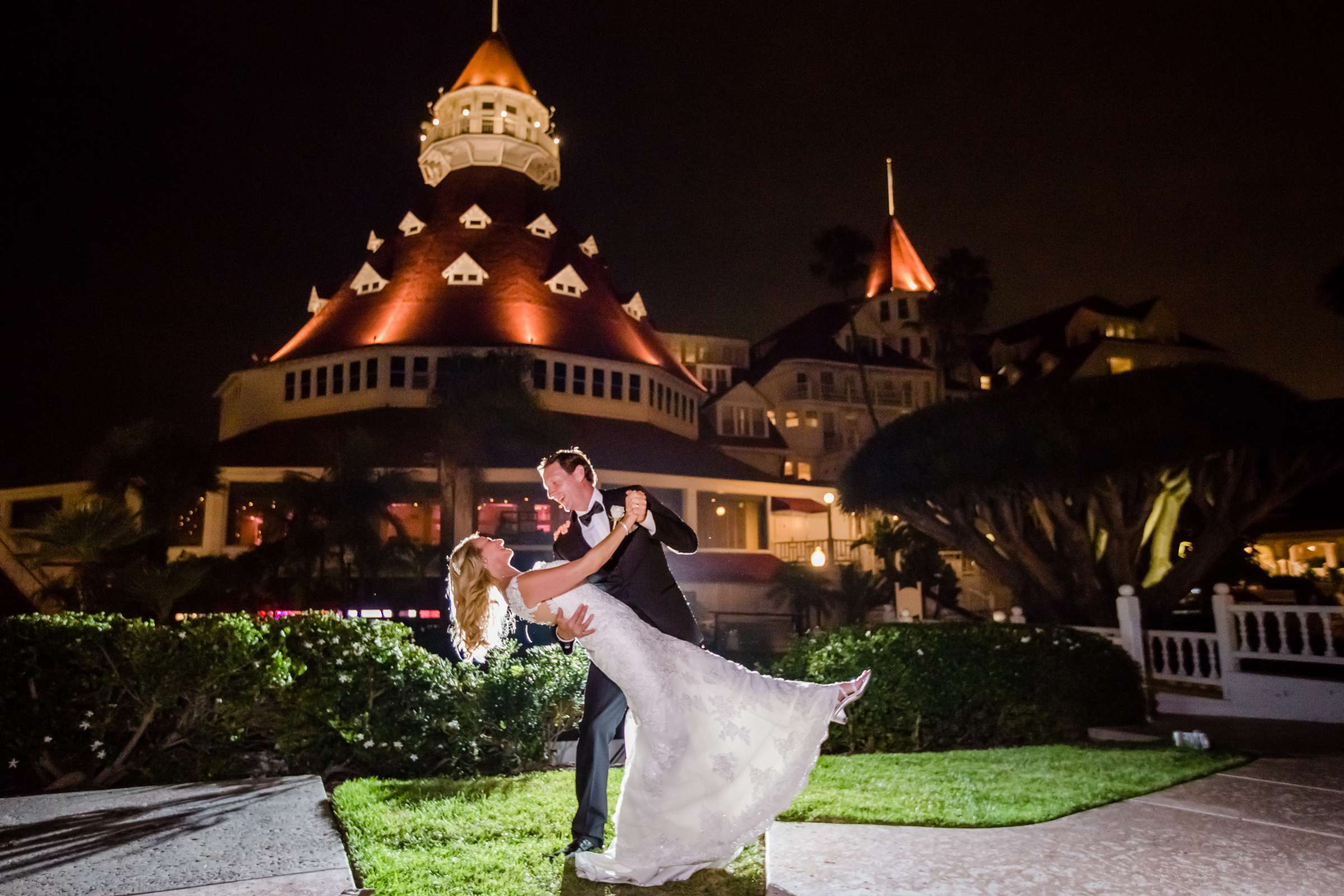 Hotel Del Coronado Wedding coordinated by Creative Affairs Inc, Diane and Paul Wedding Photo #18 by True Photography