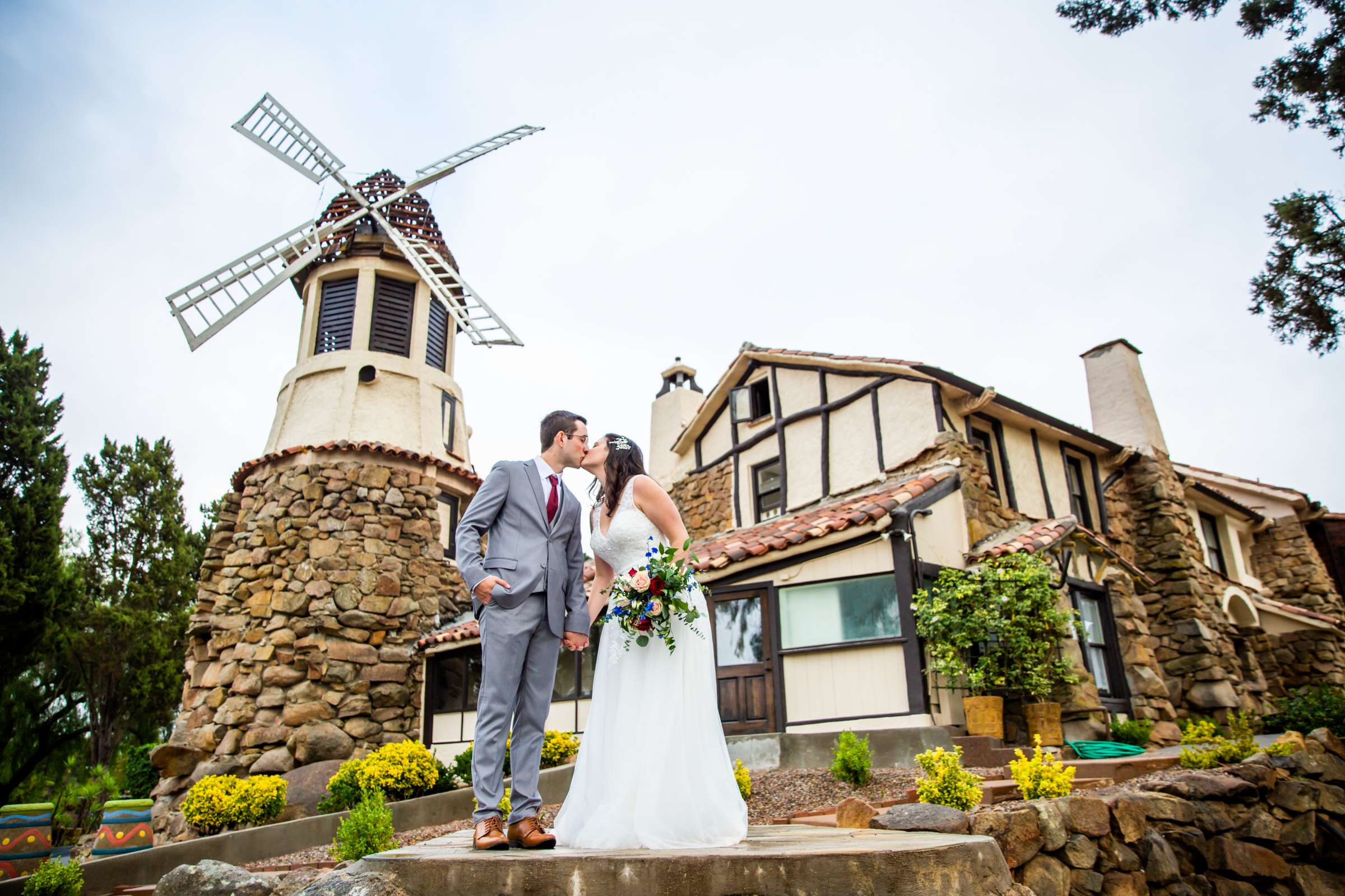 Mt Woodson Castle Wedding, Valerie and Ian Wedding Photo #3 by True Photography